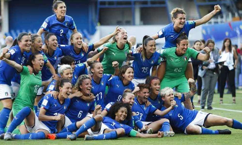 Italy make Women