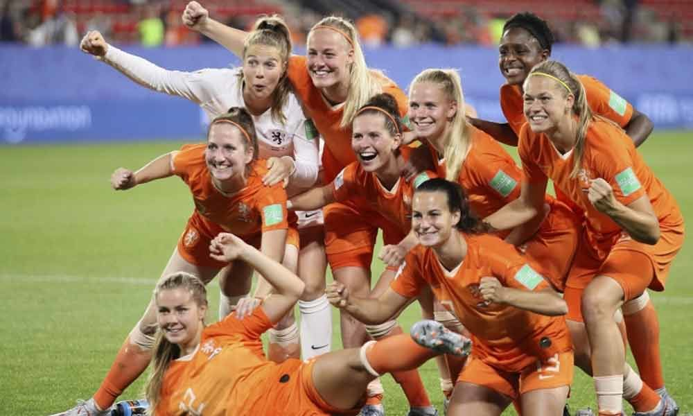 Netherlands through to quarters as Europe dominates women
