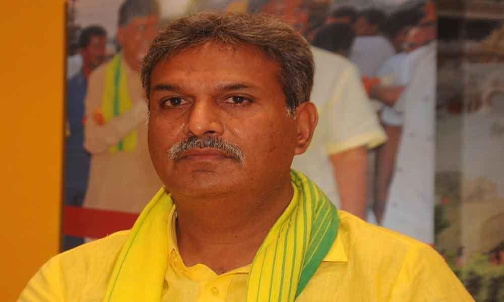 MP Kesineni Srinivas criticizes on Praja Vedika demolition