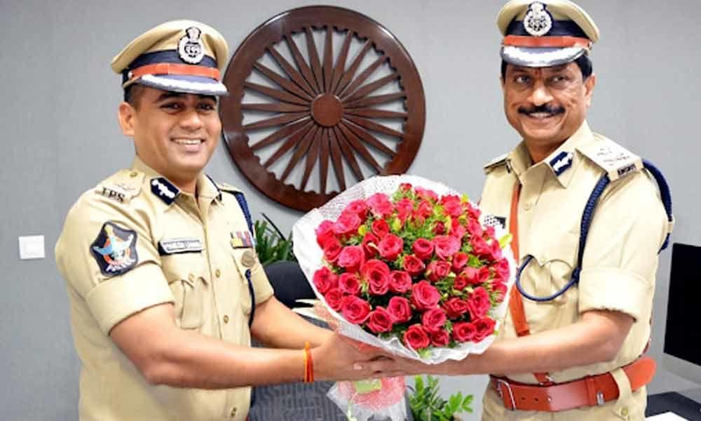 Rajiv Kumar Meena assumes office as Visakhapatnam Police Commissioner