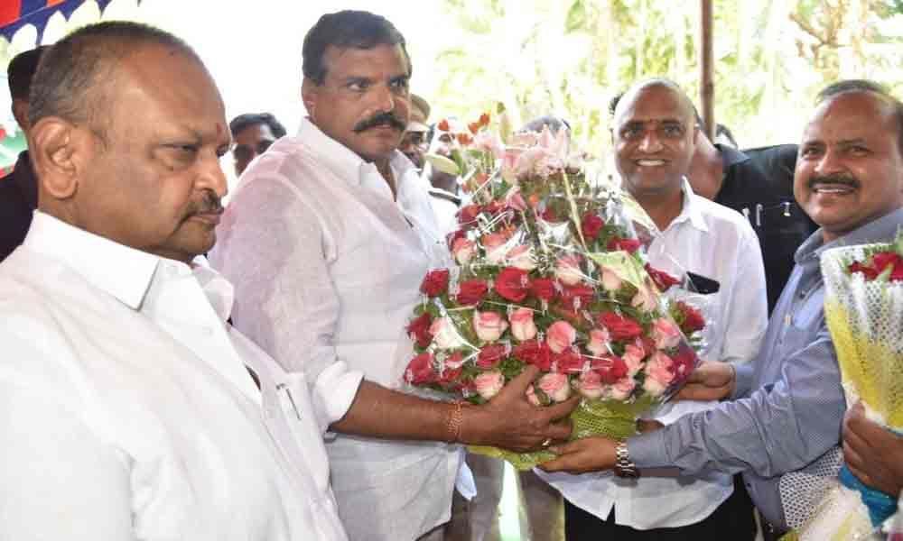 Party cadre accords rousing reception to Botcha Satyanarayana
