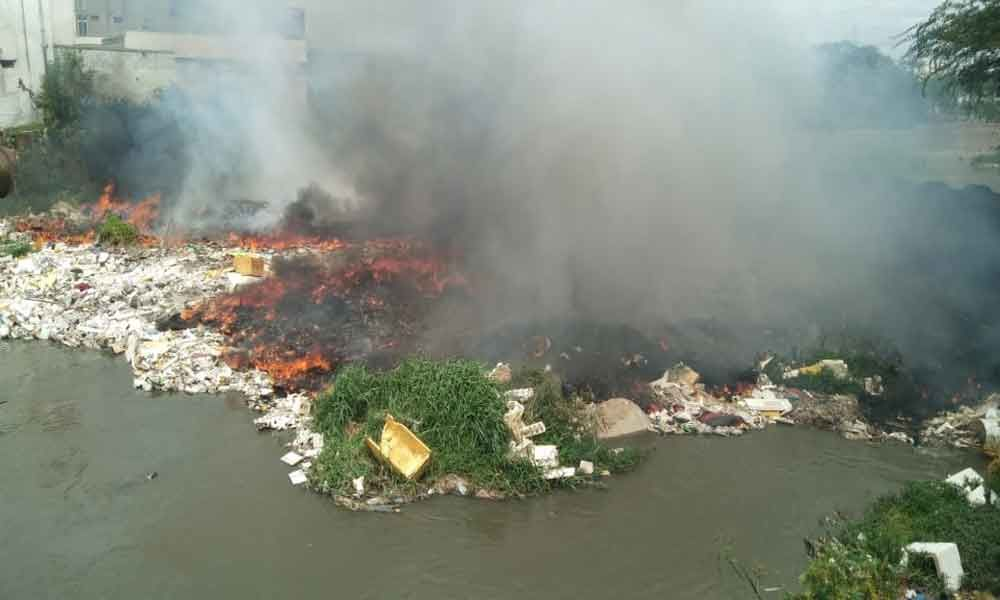 Garbage catches fire, residents get panicky