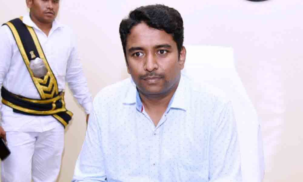 G Lakshmisha assumes charge as East Godavari  Joint Collector
