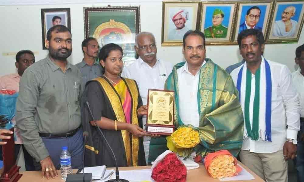 MLA A Srinivasulu seeks support of parties for Chittoor development