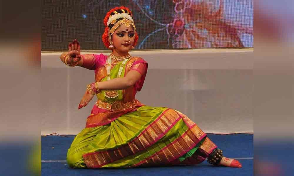 Kuchipudi dance by Vaishnavi enthrals audience