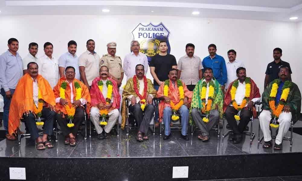 SP Siddharth Kaushal felicitates retiring cops