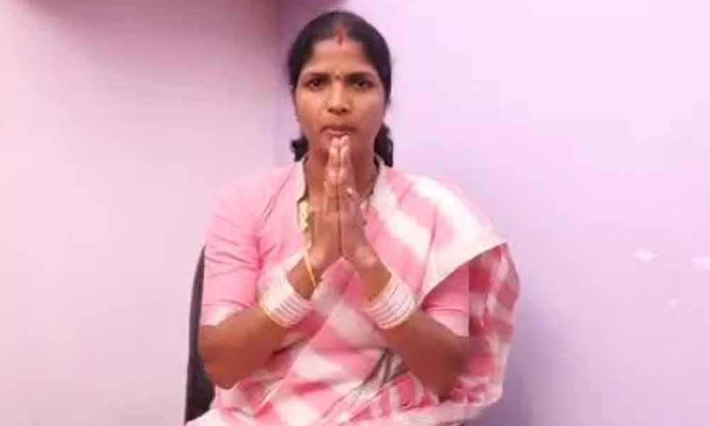 Corporator Alakunta Saraswathi takes out padayatra