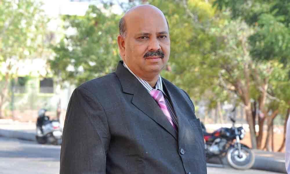 Prof Vijaya Kumar made Registrar in-charge of JNTU-A