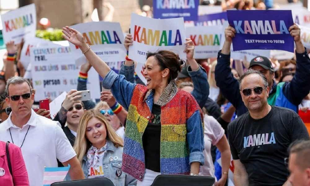 WATCH   Kamala Harris dances at San Francisco pride parade