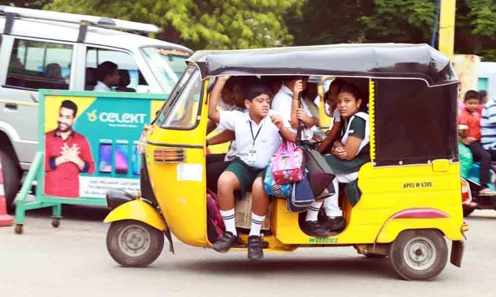 Overloaded autos put school kids at risk in Tirupati