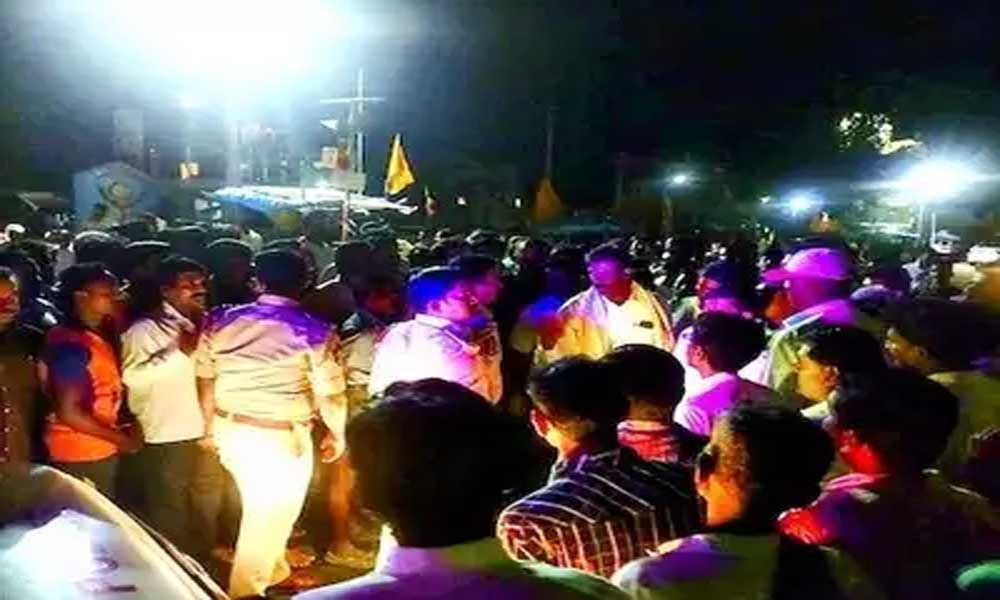 Flexi fight between YSRCP and TDP in Chittoor district