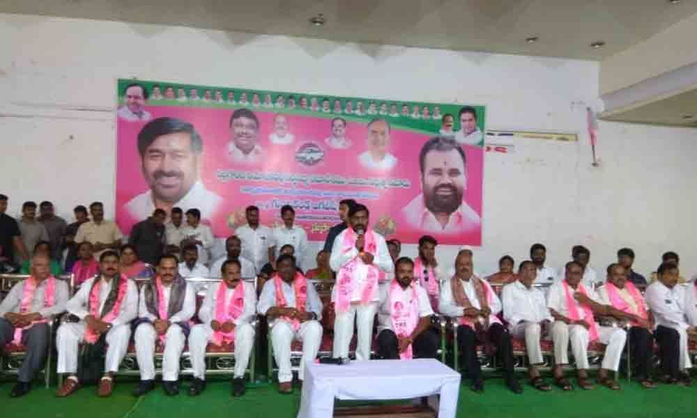 Nalgonda: People told to embrace TRS for growth to continue