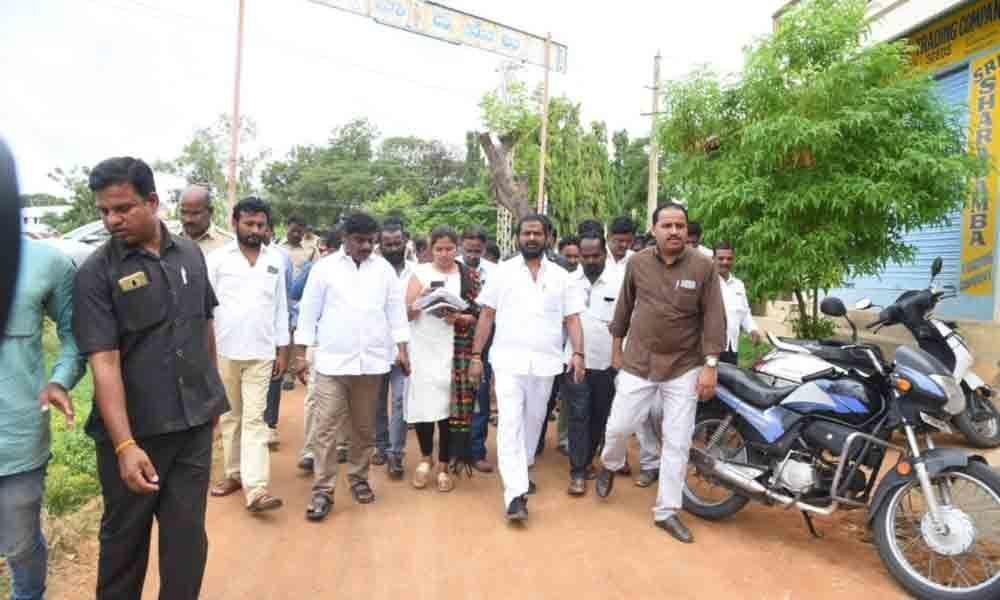 Minister Srinivas Goud takes up padayatra in Mahbubnagar municipality