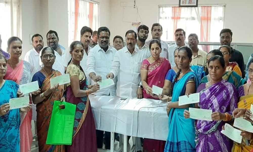Kalyana Lakshmi cheques distributed