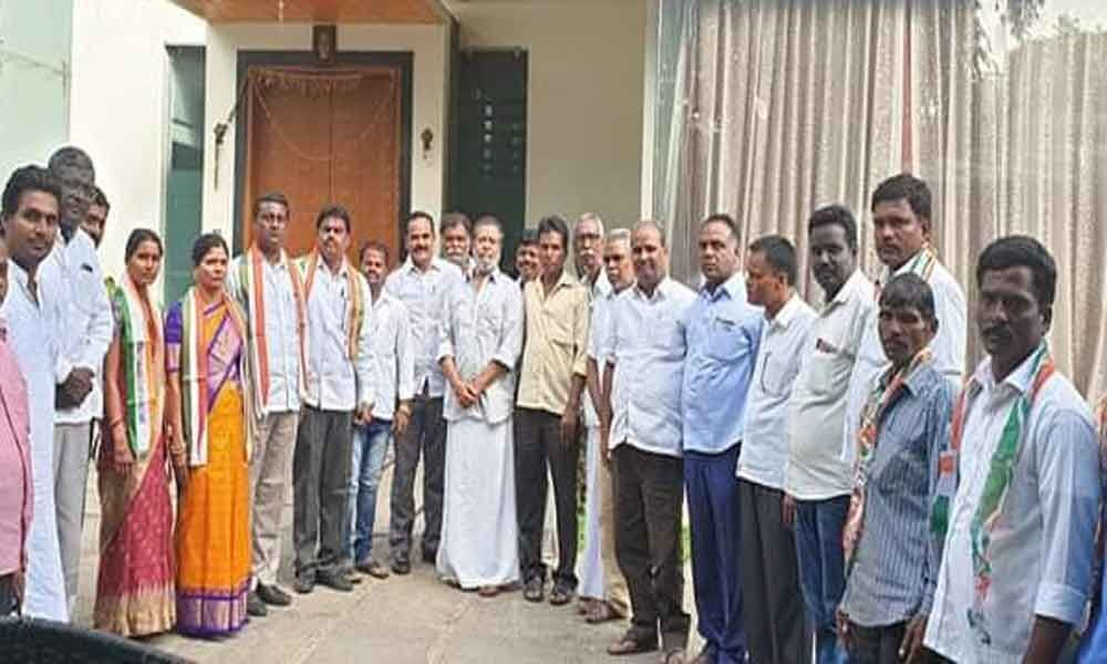 TRS leaders join Congress