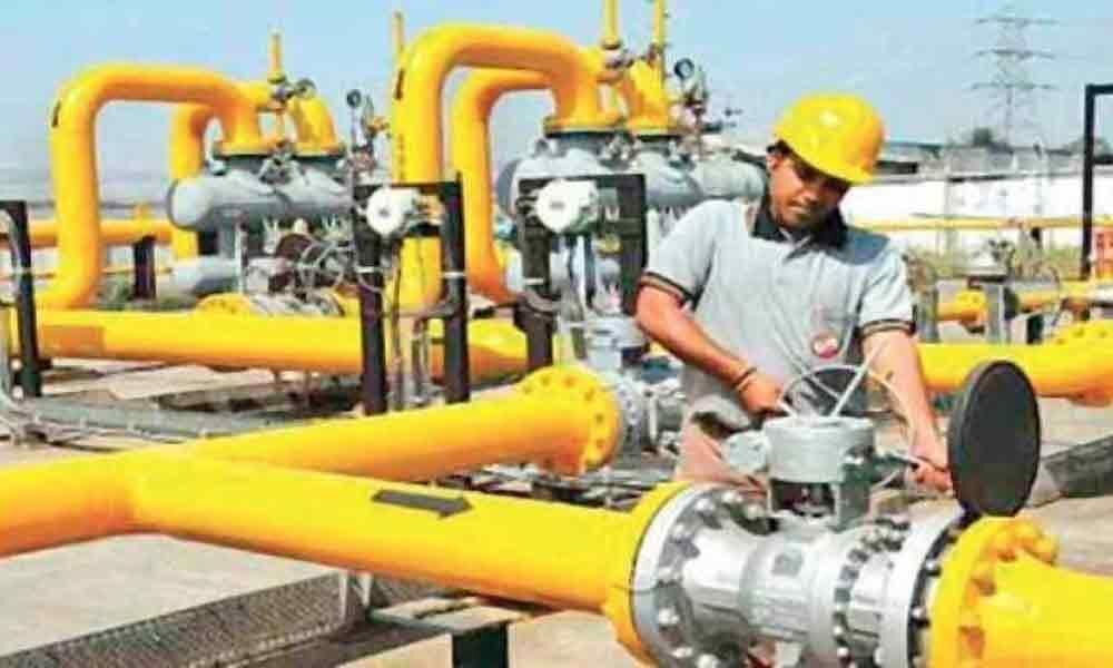 Centre looks to split GAIL, sell pipeline biz