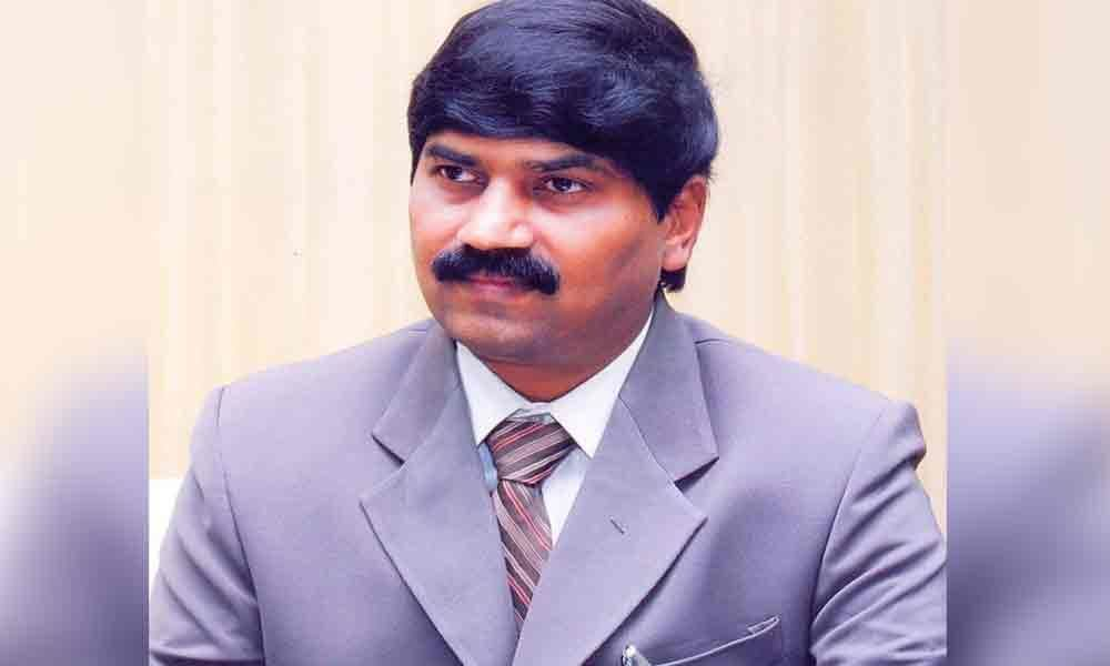 PVGD Prasad Reddy takes additional charge of V-C of Andhra University