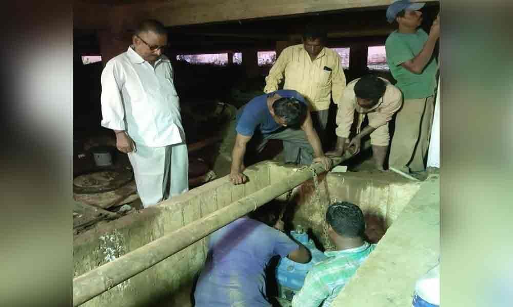 RMC takes up repairs to water pipelines in Rajamahendravaram