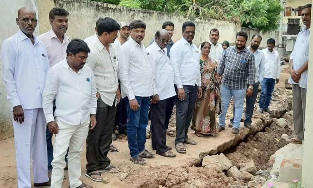 Corporator Pannala Devender Reddy inspects drainage works