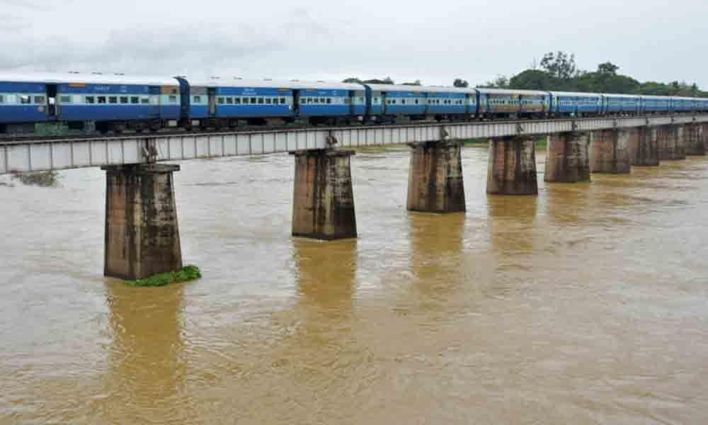 Water levels increase as rain lashes Rajahmundry
