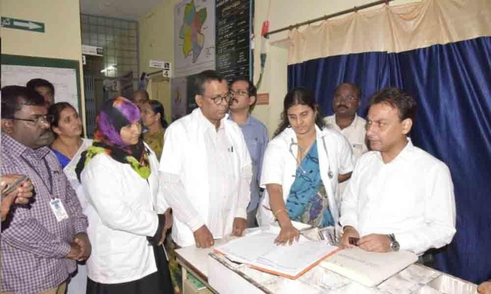 Collector Gaurav Uppal tours Thipparthy post launch of Grama Darshini, Nagara Darshini