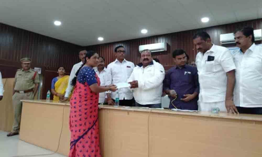 1 crore distributed under Kalyana Lakshmi, Shaadi Mubarak in Karimnagar