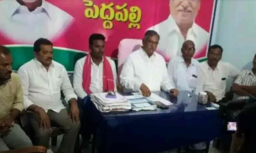 Only active TRS workers will be on committees: MLA Dasari Manohar Reddy