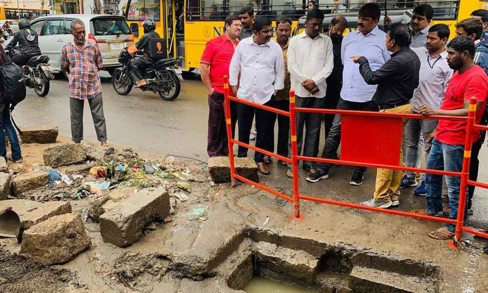 Mayor Bonthu Rammohan tours several areas, inspects relief