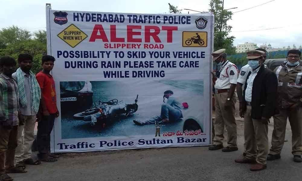 Cops advise caution on Salarjung bridge