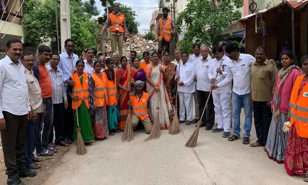 Corporator Pavani Reddy organises Swachh Bharat