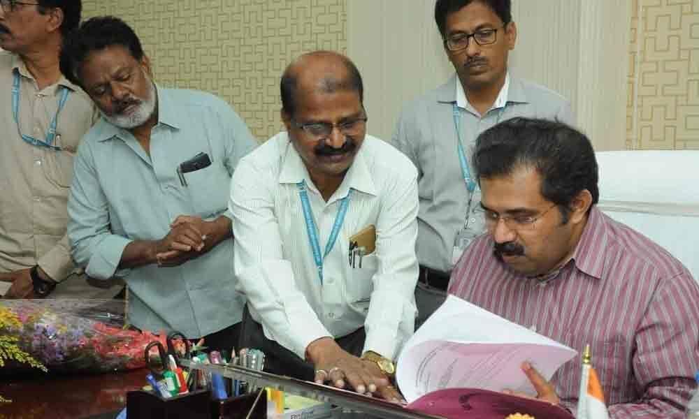 A Babu assumes office of SKU V-C in Anantapur