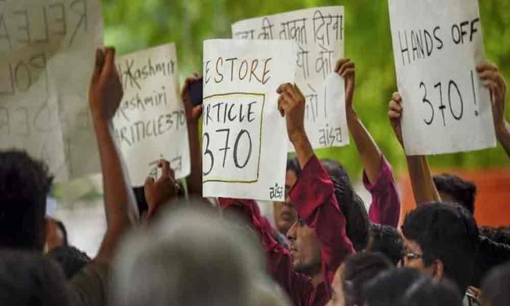 J&K students, professionals protest in New Delhi