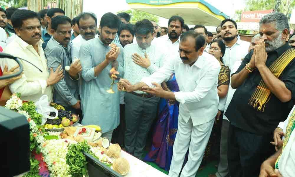Elevated expressway works recommenced: Bhumana Karunakar Reddy