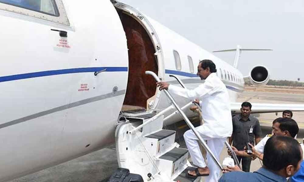 KCR leaves for Kanchipuram