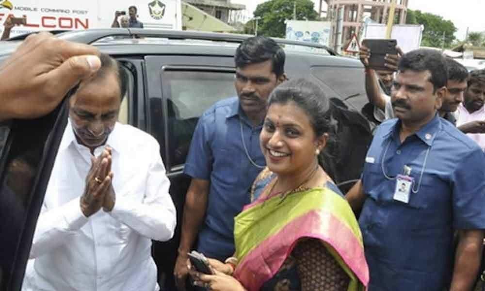 Telangana CM KCR offers prayers to Lord Athi Varadar