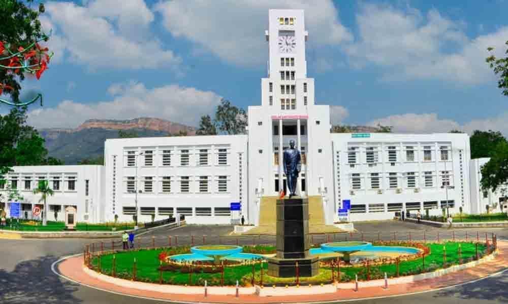 Tirupati: Girl students face hardships due to hostel rooms shortage at SVU