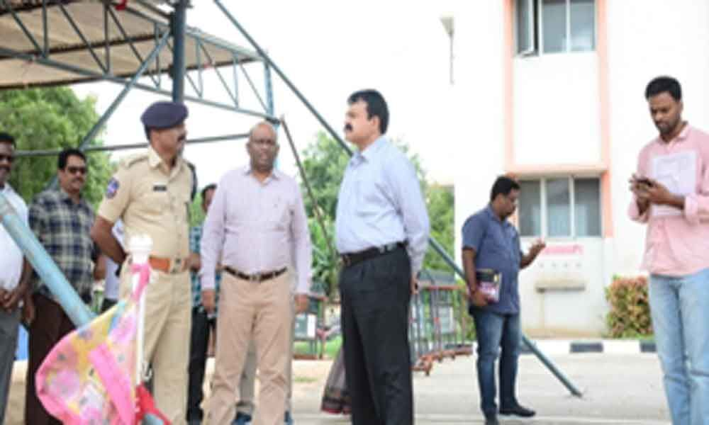 Collector reviews I-Day arrangements