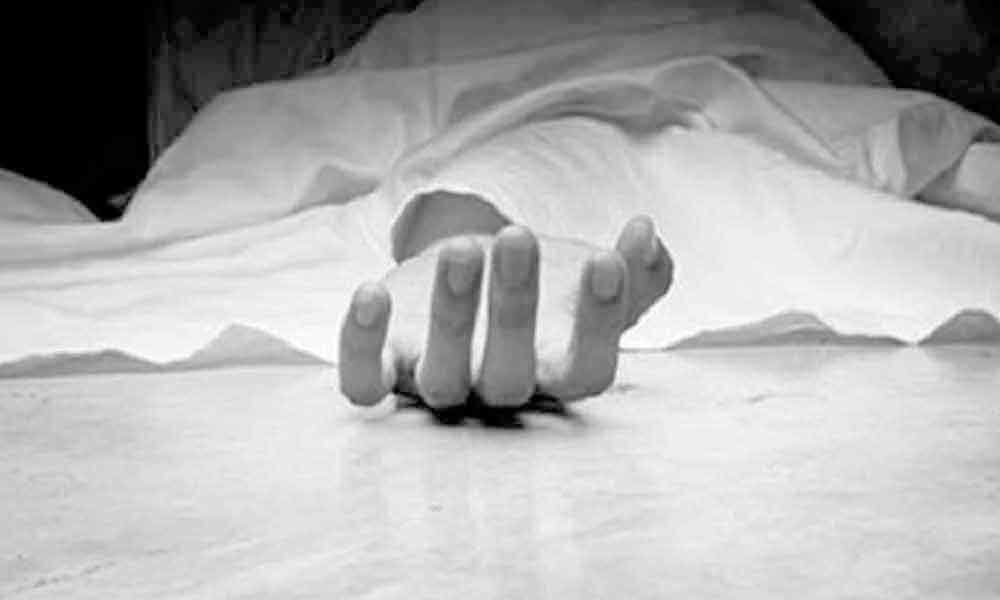 Scribe alleges humilation by cops, attempts suicide