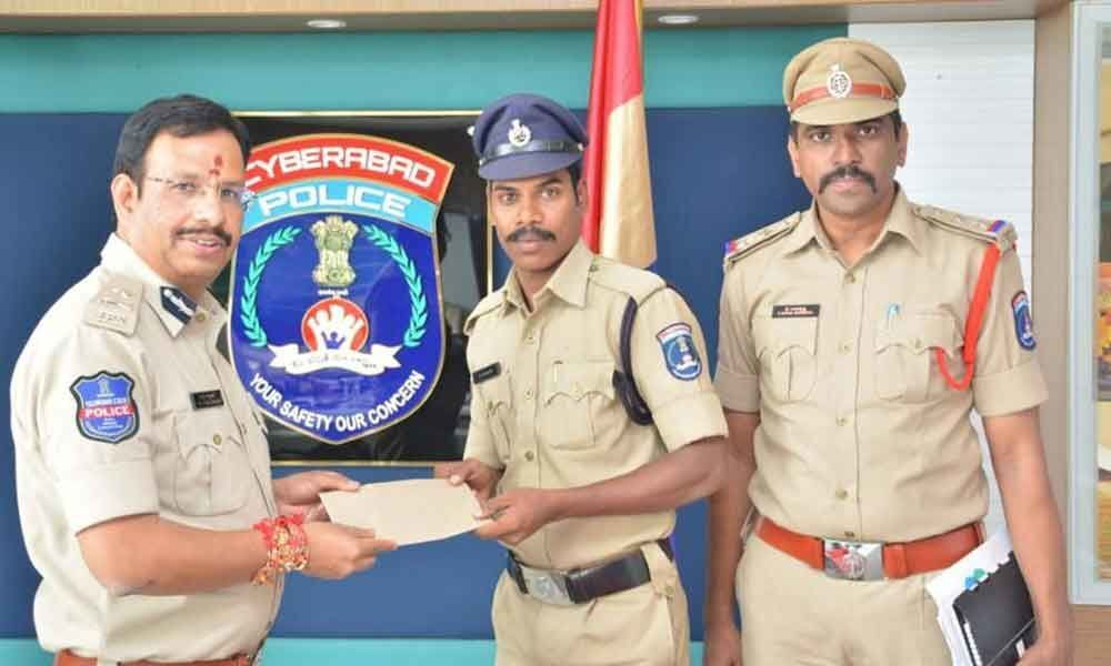 Sajjanar lauds RGIA cops for tracing toddler