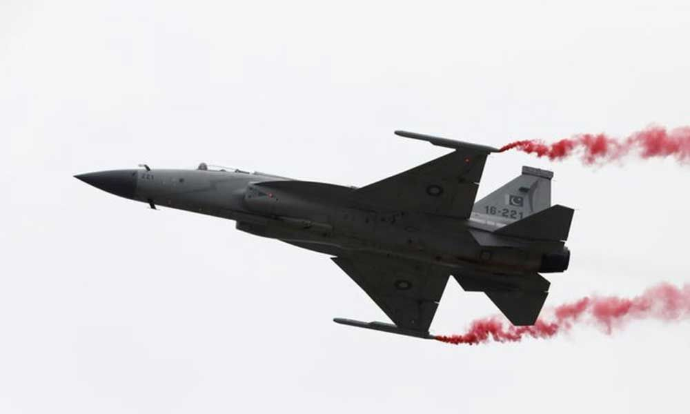 Pak to give top military awards to its two pilots for downing Indian jet