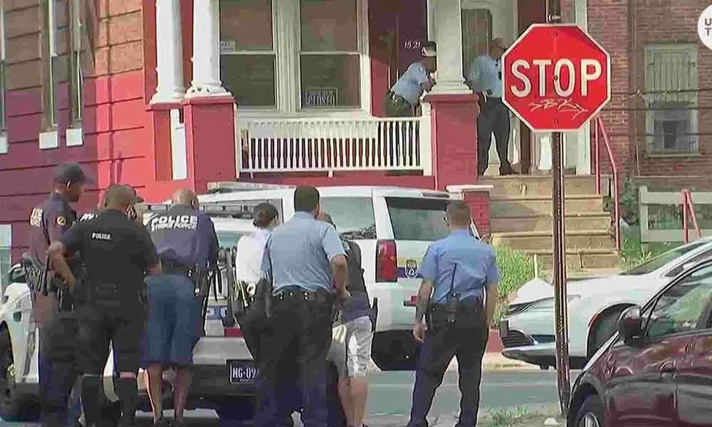 6 police officers hurt in US shooting, gunman surrenders