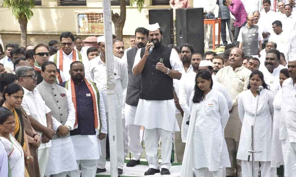 BJP trying to distort countrys history: Uttam
