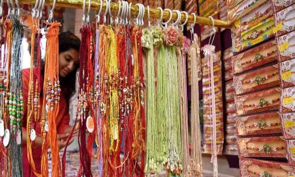 Hindus celebrate Rakshabandhan in North-Western Pakistan
