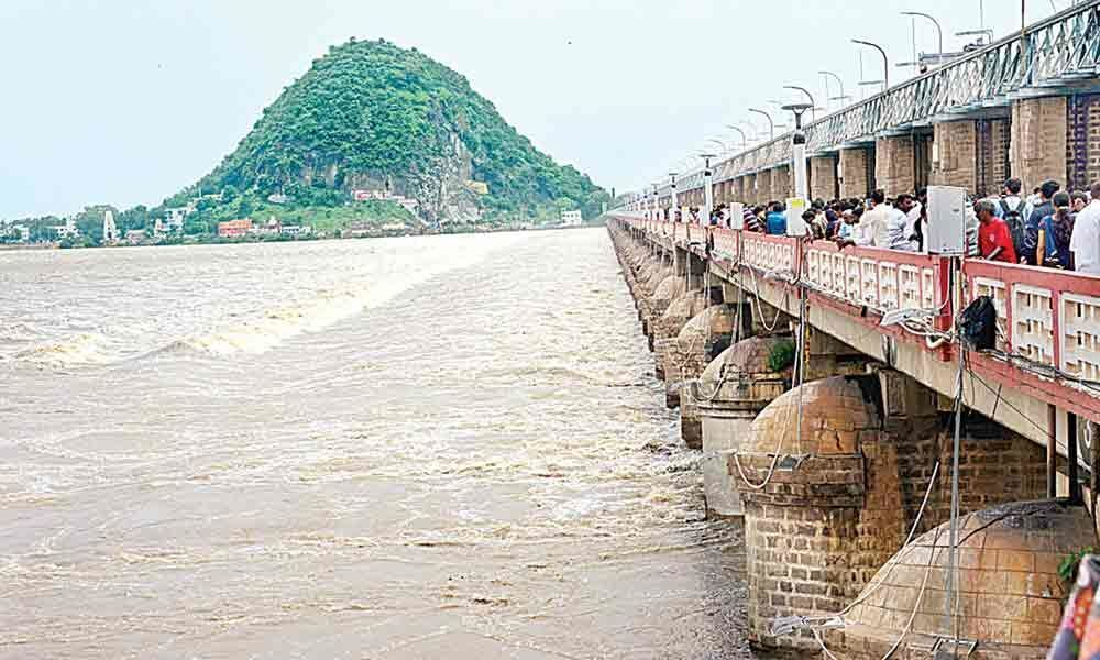 Srisailam, Sagar continue to receive steady inflows