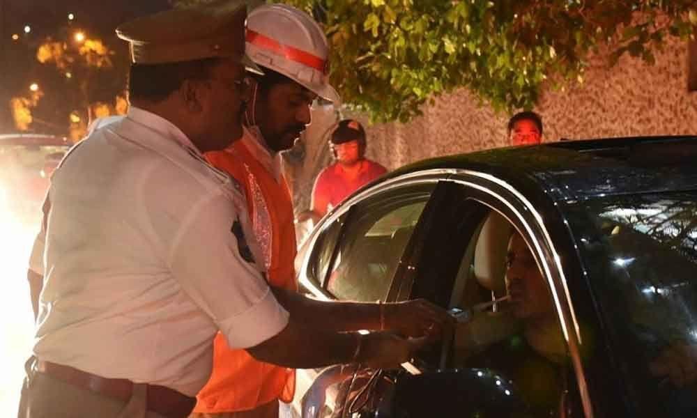 Drunken drive case registered against YSRCP youthwing leader in JubileeHills