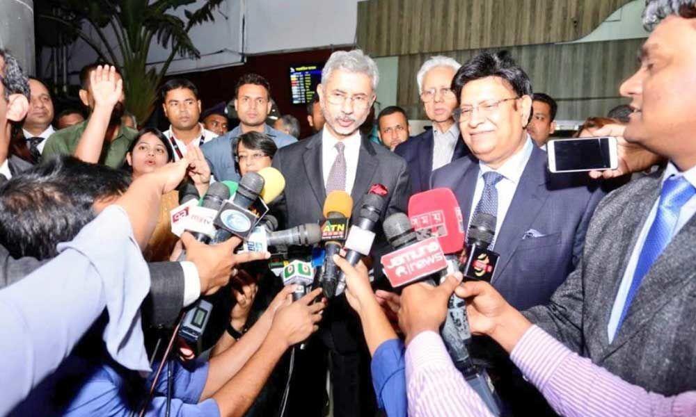 Foreign Minister Jaishankar Arrives in Bangladesh to Strengthen