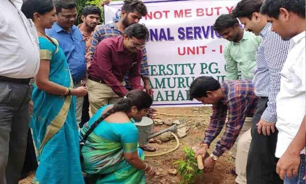 Mahbubnagar: Palamuru University professors, students plant saplings for green cause
