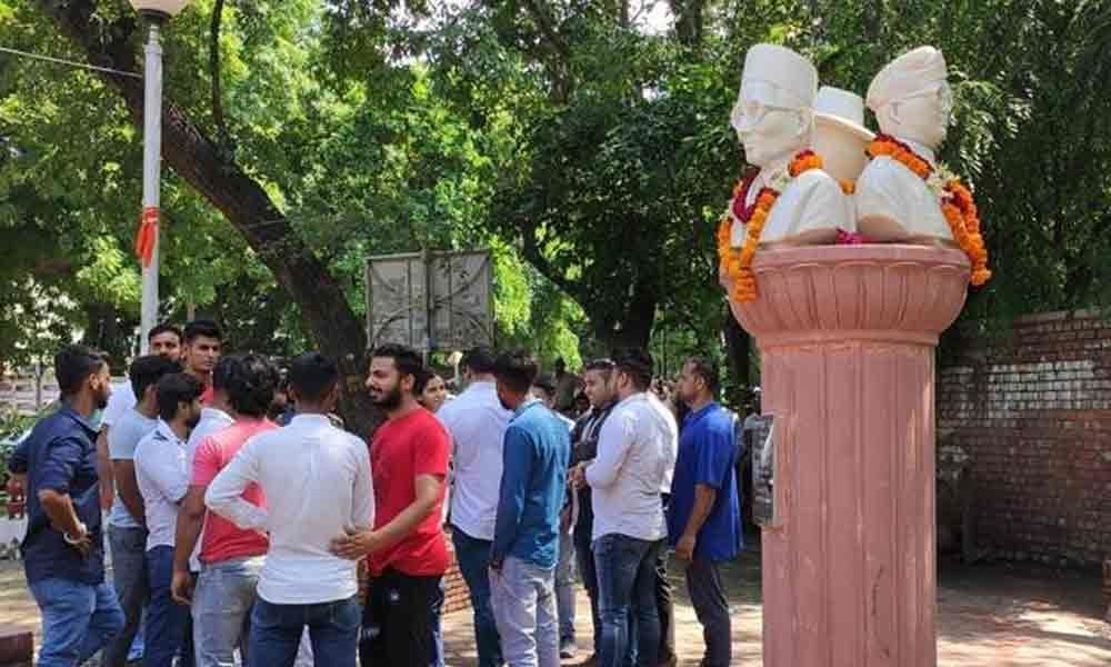 ABVP leaders install Savarkars statues in DUs campus