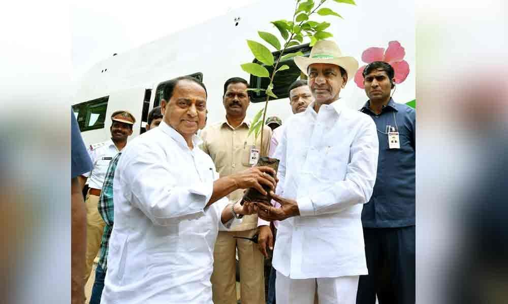KCR takes Collectors on a field visit