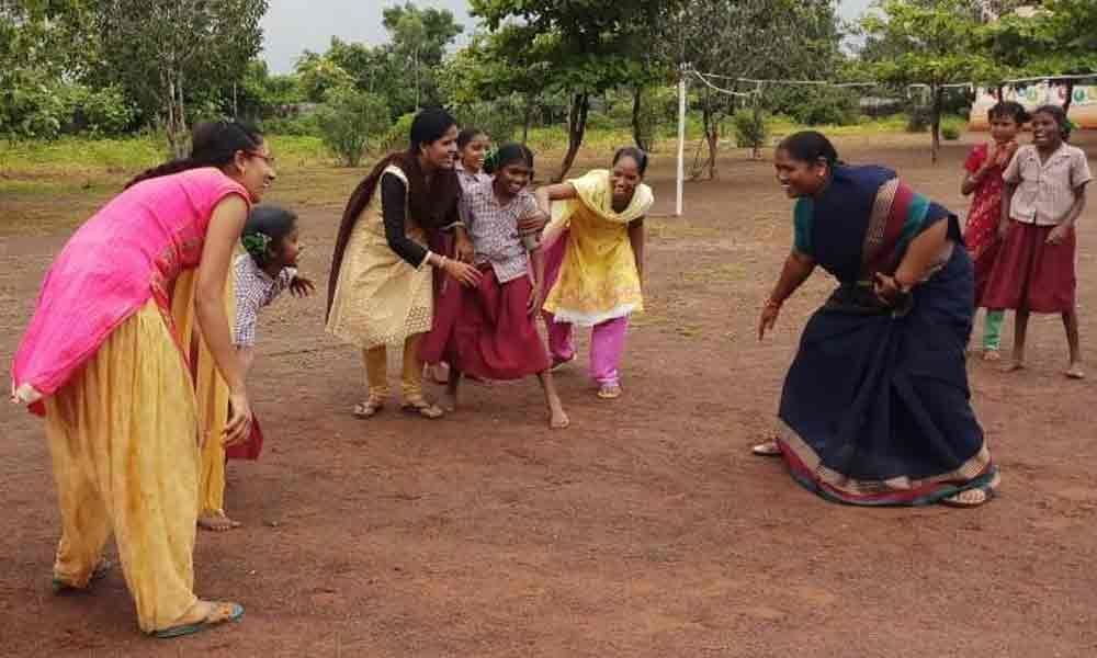 Seethakka spends fun-filled day with Social Welfare Girls